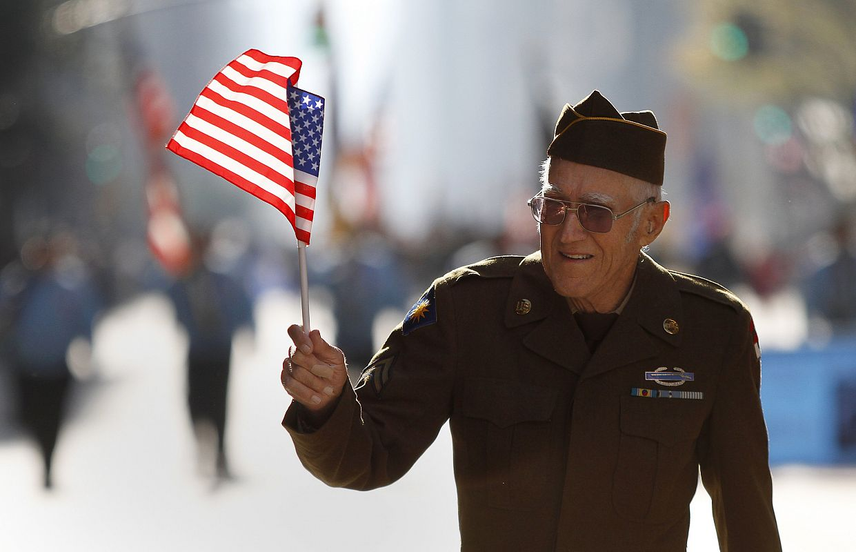 Photo - Veteran waving flag